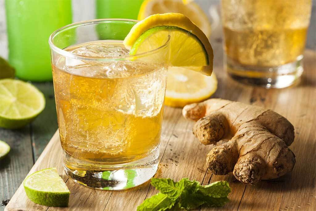 Jugo de jengibre y limón para reducir grasas