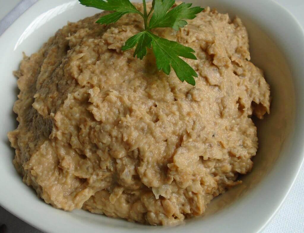 Paté de lenteja con mucho aporte de nutrientes a una dieta vegetariana