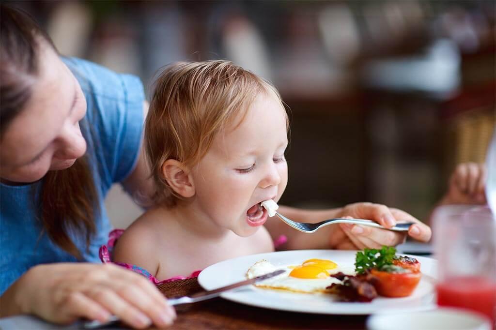 ¿Qué come un bebé de un año?