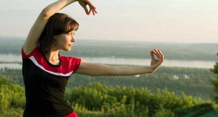 Realiza Tai-Chi para tu bienestar físico y mental