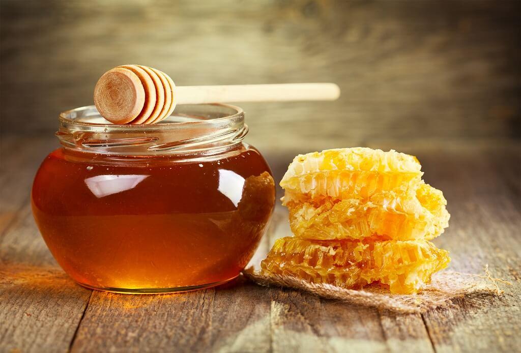 La miel es uno de los endulzantes naturales más recomendados
