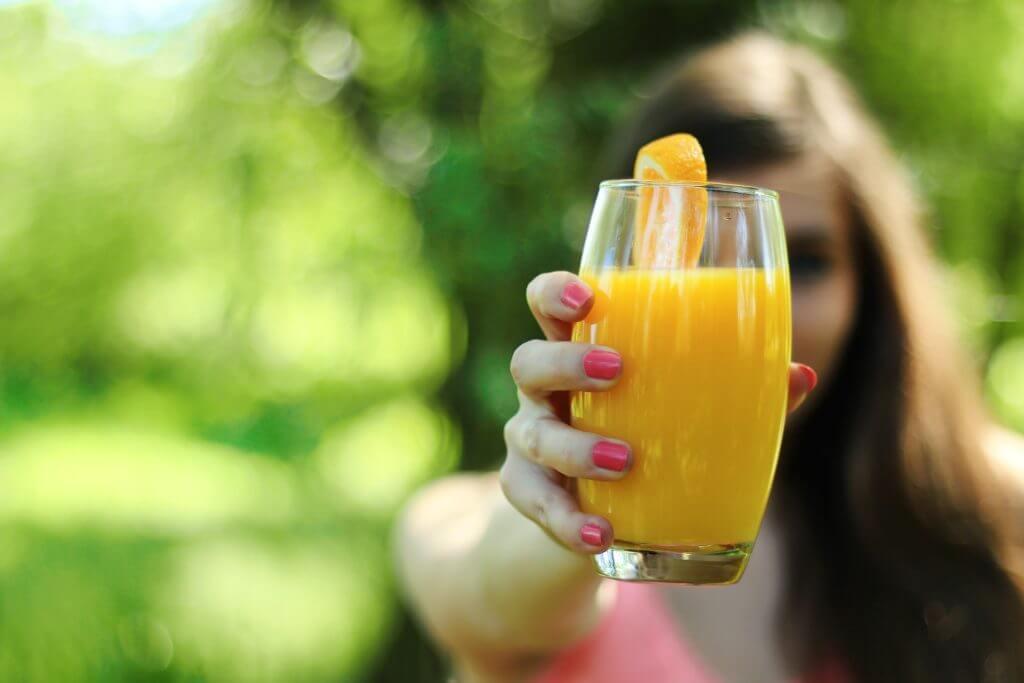Propiedades de la naranja en jugo