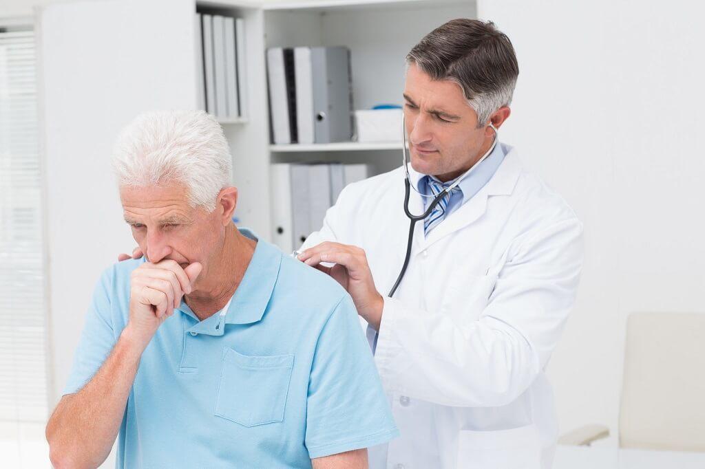 Consulta a tu médico ante síntomas de neumonía
